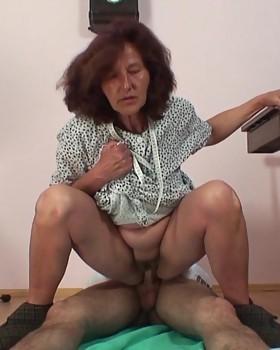 Sexual pleasure for the foxy granny